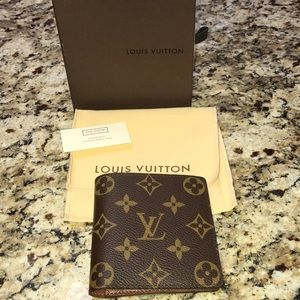 NEVER USED AUTHENTIC LOUIS VUITTON WALLET